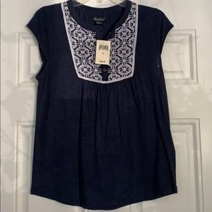 Navy lucky brand top